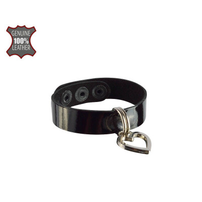Черный браслет из лаковой кожи с сердечком-подвеской