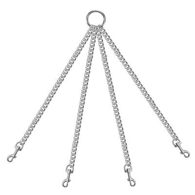 Четыре цепи серебристого цвета на кольце с карабинами